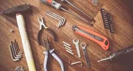 Pora wyposażyć swój domowy warsztat! W jakie narzędzia warto zainwestować?