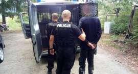 Areszt oraz wysoka grzywna za nielegalny wjazd motocyklem do lasu.