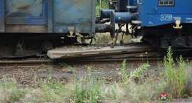 Pod Lubaniem wykoleił się pociąg. Zniszczone jest aż 5 km torów!!!