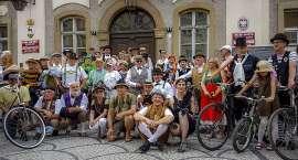 Rowerowa Parada Retro przejechała ulicami Jeleniej Góry (VIDEO)