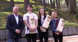 Uczniowie nagrodzeni za pomoc zwierzętom (VIDEO)
