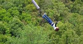 Niesamowite doznania w prezencie - skok na bungee