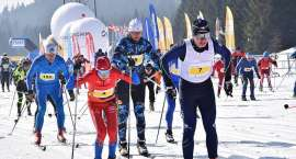 Słońce, mróz i radość z biegania na nartach. Trwa 42. Bieg Piastów
