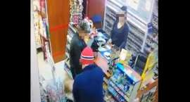 Uderzył dziecko w supermarkecie Dziewczynka dostała w twarz, bo wydała 9,90