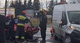 Wypadek w Cieplicach. Trzy osoby ranne.
