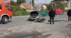 Motocyklista poważnie ranny po zderzeniu z samochodem