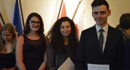 Uczniowie z Jeleniej Góry otrzymali prestiżowe certyfikaty