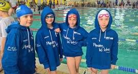 Udane starty w ważnych zawodach pływackich klasy sportowej.
