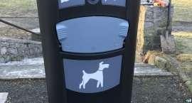 Nowe pojemniki na psie odchody