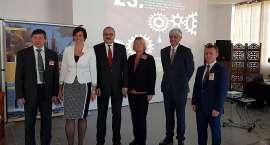 Blisko 200 firm z Polski, Czech i Niemiec spotkało się w Staniszowie