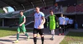 Trzech piłkarzy Karkonoszy  karnie relegowano do drużyny juniorów.