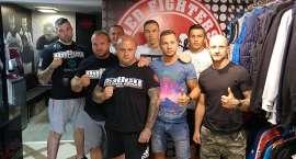 Kolejni znani pięściarze trenują z Red Fighters