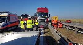 Kierowca TIR-a zmarł na autostradzie pod Wrocławiem