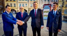 K.Mróz : Liczę na poparcie wyborców H.Papaja i Pawła Gluzy
