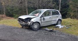 Porzucone auto na drodze do Jakuszyc