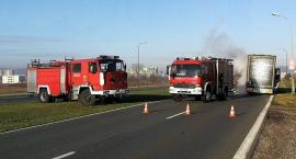 Pożar opony w ciężarówce. Zablokowany wjazd do Jeleniej Góry od strony Wrocławia