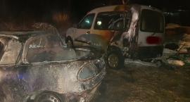 Dwa auta spaliły się w Barcinku