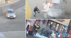 Samochód zapalił się podczas jazdy i wjechał na parking
