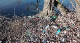 Wysypisko śmieci obok Bobru