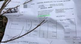 Wyrzucone dokumenty z danymi osobowymi