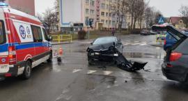 Zderzenie dwóch samochodów. Troje dzieci w szpitalu