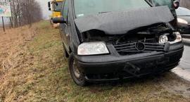 Zderzenie trzech samochodów na krajowej trójce
