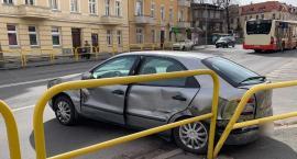 Kolizja na Wolności. Ciężarowy DAF uderzył w Fiata