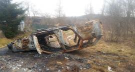 Jelenia4x4 usunęli spalony wrak, który blokował przejazd