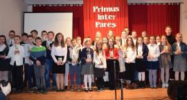Piechowice : Najlepsi uczniowie ze statuetkami Primus Inter Pares