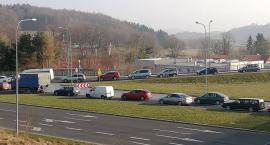 Armagedon na drodze do Maciejowej. Kierowcy stoją w korkach