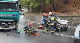 Wypadek na dk3. Osobówka zderzyła się z tirem