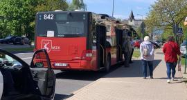 Autobus potrącił mężczyznę na przystanku