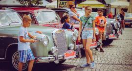 Zabytkowe Mercedesy na Placu Ratuszowym