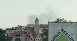 Czarny dym nad ulicą 1-go Maja