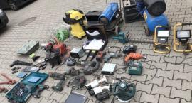 Policjanci poszukują właścicieli przedmiotów ze zdjęć.
