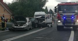 Zderzenie trzech aut w Siedlęcinie. Utrudnienia w ruchu.