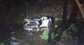 Auto wpadło do rzeki. Kierowca zginął na miejscu.