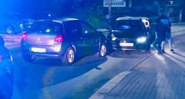 Zamiast na drogę patrzył w telefon ? Zderzenie trzech aut na Sobieskiego.