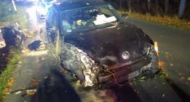 Pijany kierowca wypadł z drogi i doszczętnie rozbił auto