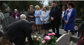 Odrestaurowano pomnik pierwszej podgórzyńskiej nauczycielki