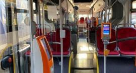 Kierowca nie wpuścił do autobusu mężczyzny w brudnym, roboczym ubraniu