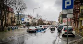 Będą kolejne zmiany w parkowaniu na ul. Bankowej w Jeleniej Górze