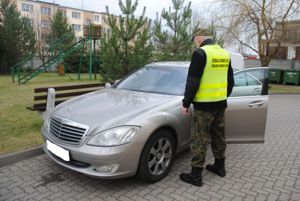 Biznes i Praca, Mercedes odzysku - zdjęcie, fotografia