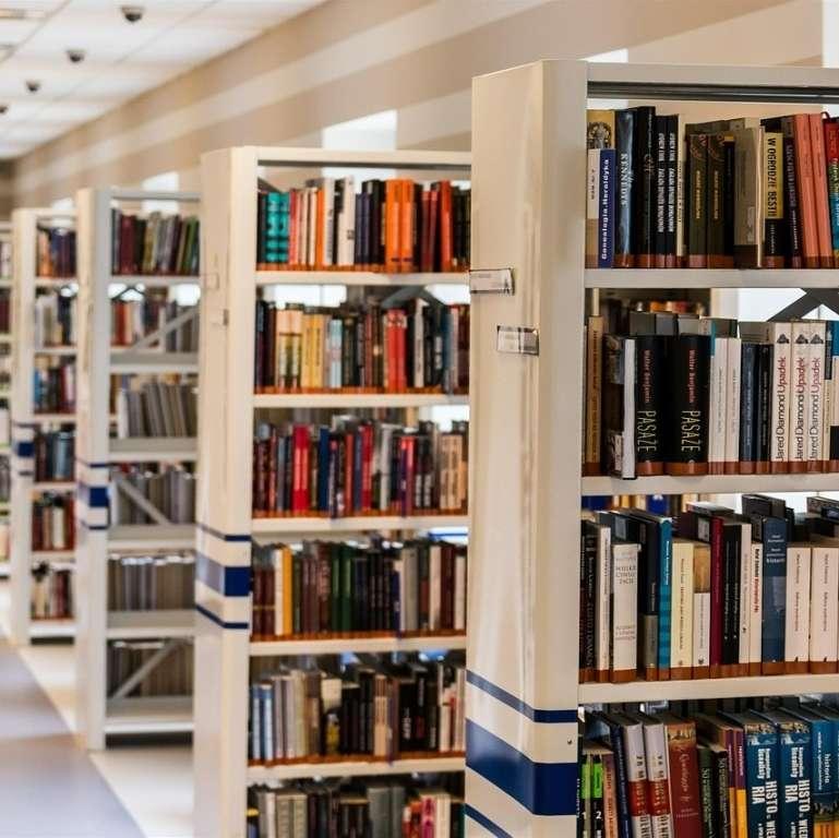 Książki i publikacje, Słodki upominek książkę - zdjęcie, fotografia