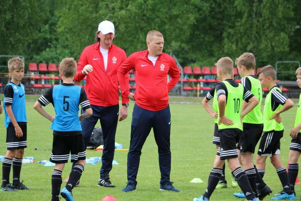 Szkolenia, Szkolenie piłkarskie - zdjęcie, fotografia