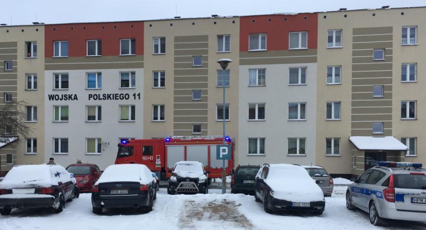Interwencje straży i pożary, Wyważyli drzwi - zdjęcie, fotografia