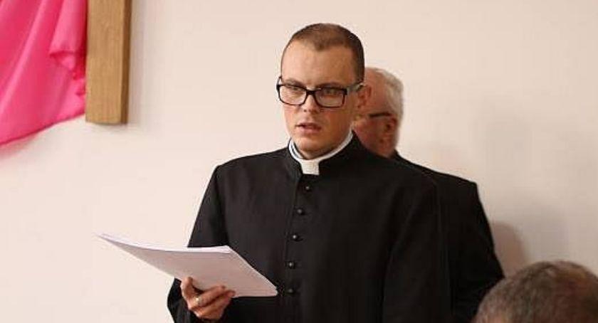 Religia, wikariusz sejneńskiej parafii - zdjęcie, fotografia