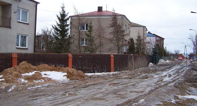 Inwestycje, Budowniczy Wojska Polskiego chcą więcej pieniędzy miasto planowało - zdjęcie, fotografia