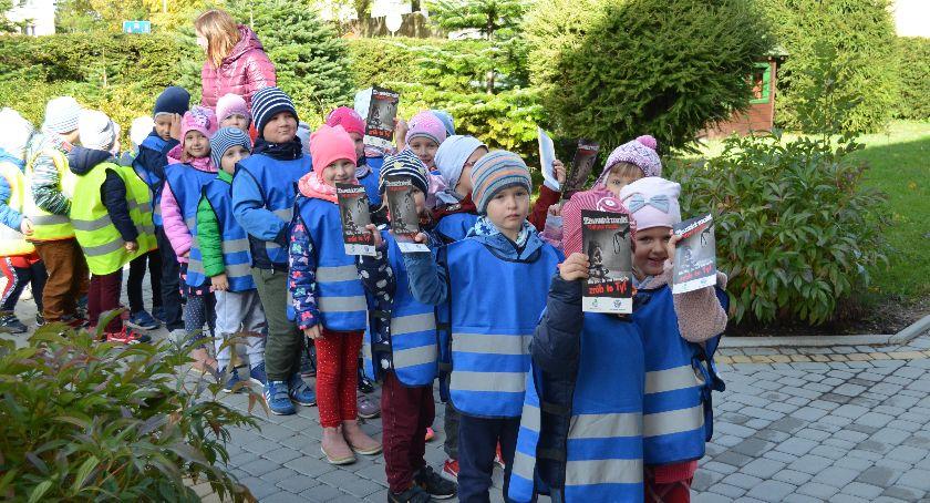 Uroczystości Obchody, Marsz maluchów apelem unikanie przemocy - zdjęcie, fotografia