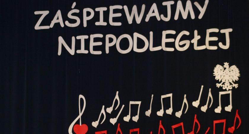 Wydarzenia, młodzieży patriotyczne pieśni - zdjęcie, fotografia